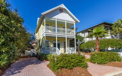 Photo for Salty Hideaway - 3 bedroom, 3 bath home with a private pool and 3 bicycles.