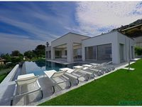 Incredibly beautiful modern property with fantastic views of Lago Maggiore!