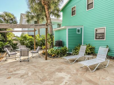 Photo for Location says it all for this comfortable vacation destination located at the north end of the Island at 254 Ostego