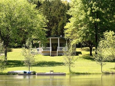 Seclusion in a beautiful setting where your dog can run free!