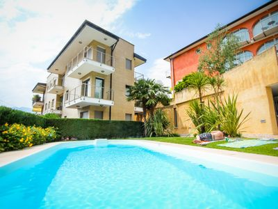 Photo for Luxury apartment with swimming pool in residence Klimahouse, 100m from the beach
