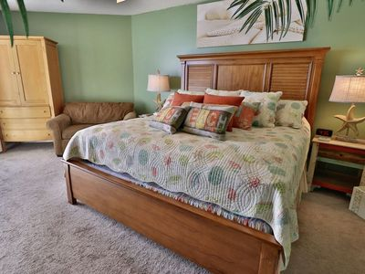 Master bedroom with king size bed!