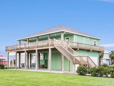 Photo for Gorgeous oceanfront home with cozy furnishings, scenic deck, and plenty of space