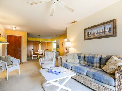 Photo for SC255-Beautifully decorated, bright and cheery 1 bedroom 1 bath condo