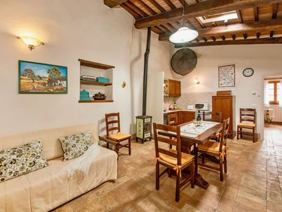Photo for House in the center of Popoltaio-Schiacciato with Parking, Internet, Washing machine, Air conditioning (148367)
