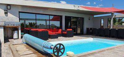 Photo for Villa in Sete on front line, sea 100 m away, fine sandy beach, pool, Jacuzzi