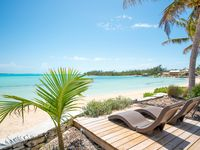 Beautiful beach and even more beautiful beaches within walking distance!