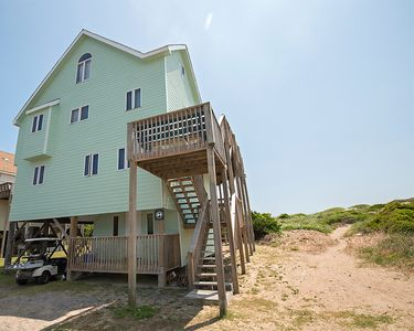 Photo for Oceanfront vacation rental with beautiful view and hot tub!