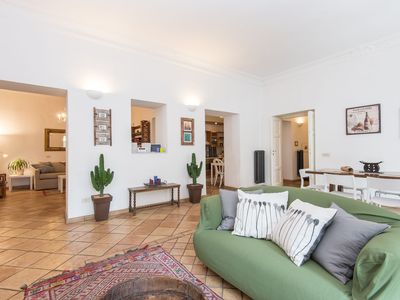 Photo for Apartment in the center of Rome with Internet, Air conditioning, Lift, Washing machine (441852)