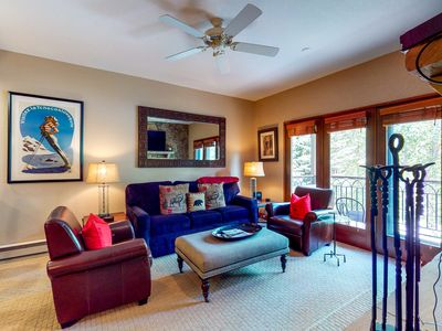 Photo for 3rd floor inviting condo w/ balcony, walk to lifts, mountain view