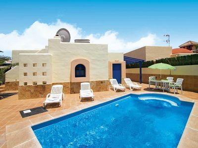 Photo for 2 bedroom Villa, sleeps 4 in Corralejo with Pool and WiFi