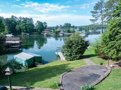 Photo for 4BR House Vacation Rental in Moneta, Virginia