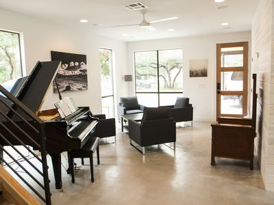 Photo for 5BR/3BTH Large Contemporary Home next to downtown Austin. Pet friendly.Pool