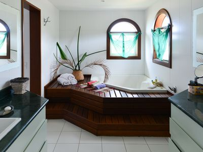 Photo for Beautiful house with six suites in the Sand of Rasa Beach