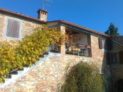 Photo for Farmhouse in Tuscany among vineyards and olive groves with swimming pool and large garden.