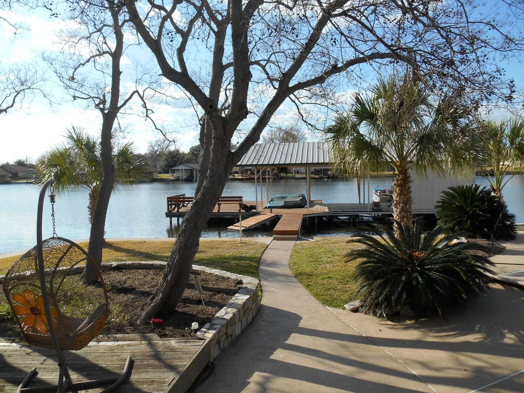 waterfront family friendly gated home locat vrbo