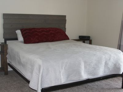 Photo for Close to Downtown Nightlife and Minutes from Lake Havasu