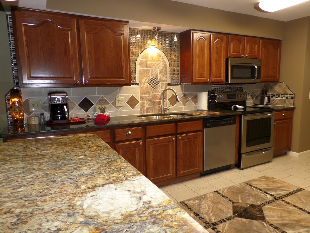 Stunning remodeled luxury condo heart of branson for Affordable pools warrenton missouri