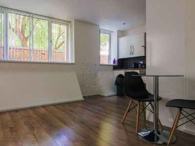 Photo for Compact and Central 1BR Apartment in Leicester