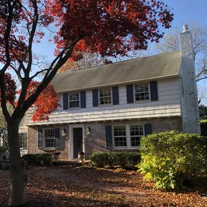 Photo for Charming colonial home with easy commute to NYC by ferry and 2 miles to beach.