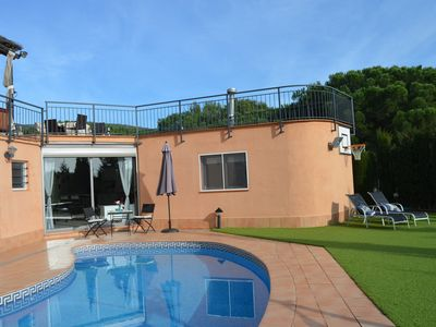 Photo for EXCLUSIVE APARTMENT 25 KM from BCN SWIMMING POOL, SAUNA and SEA VIEWS