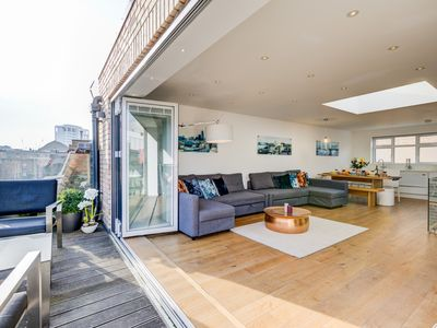 Photo for Breathtaking 2 Bedroom Penthouse with private roof terrace