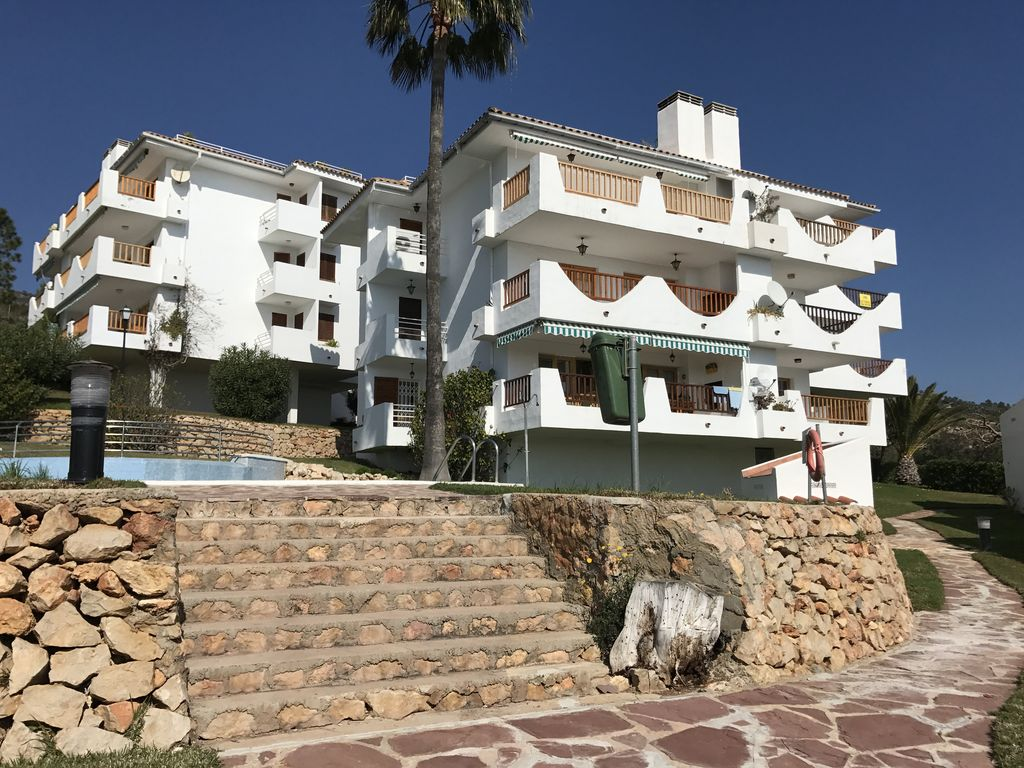 Apartment completely renovated in the beautiful seaside for 3 renovated apt with spacious living room 10 pax