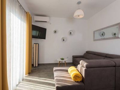 Photo for Paradisso apartment in Vodnjan with WiFi, air conditioning & private parking.