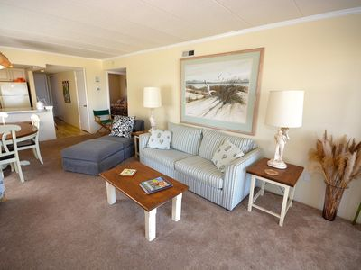 Adorable 2 Bedroom Oceanfront Condo with WiFi and Breathtaking View Located Uptown and Near a Park!