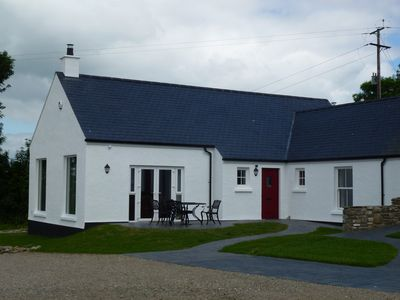 """Strule Cottage with superb rural views & """"home from home"""" comfort and luxury"""