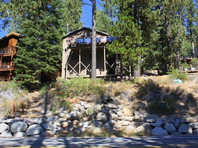 Photo for 3 bedroom, 2 bath, sleeps 6. Direct Donner Lake Access DLR#108