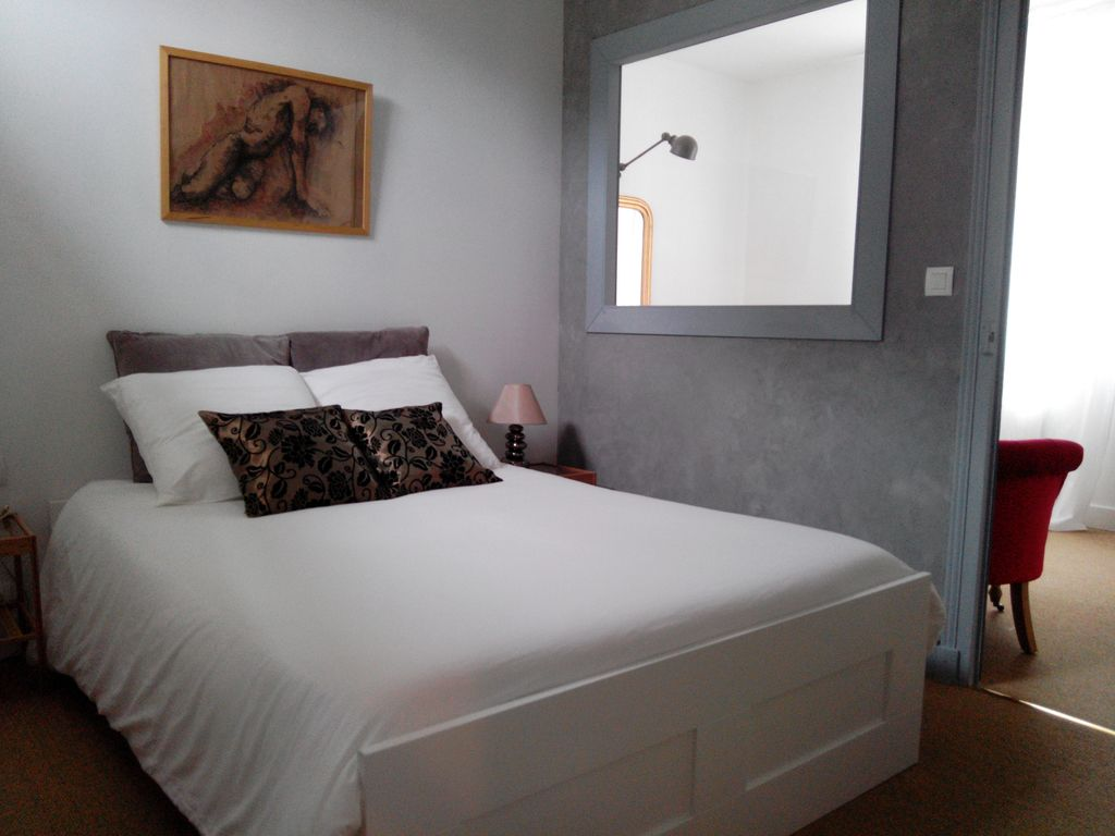 Cosy Apartment with terrace **, City Heart of Amboise