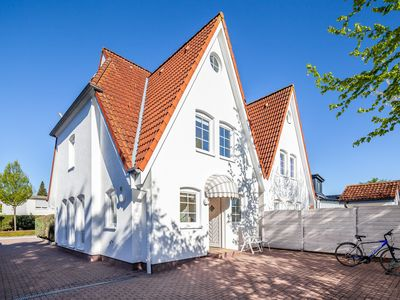 Photo for 4-star holiday home in Grömitz on the Baltic Sea, 100sqm, central and near the beach