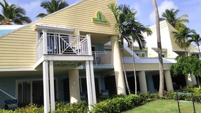 Photo for Comfortable Studio with resort amenities at Margaritaville!