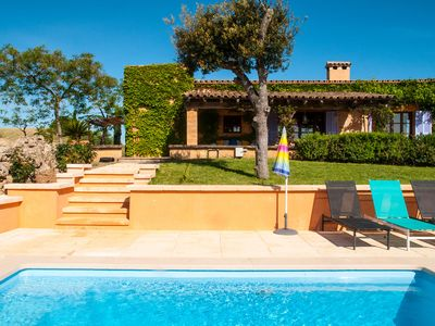 Photo for Pleasant finca with two bedrooms and pool.