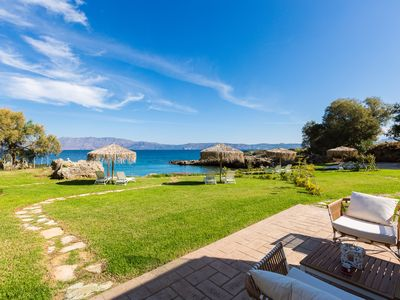 Photo for Harmony Villa - unwind in your own private beach! Total privacy! Close to shops!
