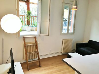 Photo for Studio equipped, ideally located!