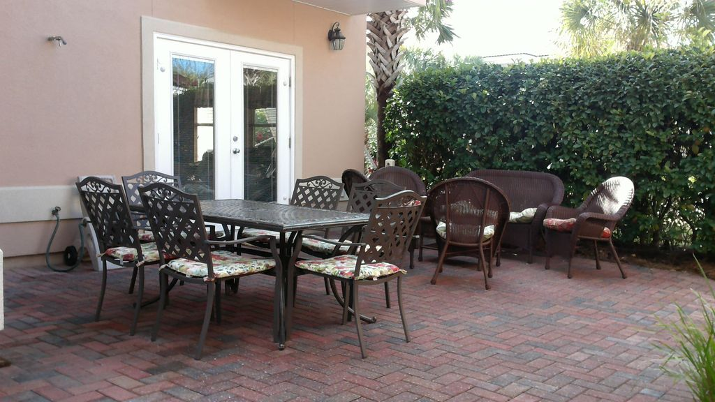 Gust of Sun Villas- 2 Spacious & Clean Homes @ Price of One. 1/2 Block To Beach