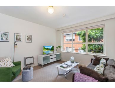Photo for Family-friendly apartment in green Glen Iris