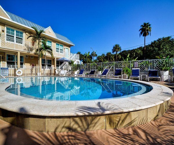 Clearwater Beach Suites 204 Hop,skip And A ...