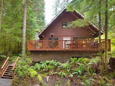 Photo for Vacation home 98SL Cozy Cabin w/ Hot Tub in Mount Baker/Glacier - 6 persons, 2 bedrooms
