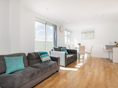 Photo for Luxurious London Enfield Apartment