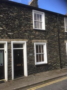Photo for Beautiful traditional cottage in Bowness