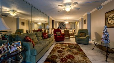 Photo for Beautifully decorated gulf-front condo