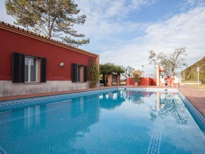 Photo for Spacious Villa Las Pilas apartment in Cartuja with WiFi, integrated air conditioning, private parki…