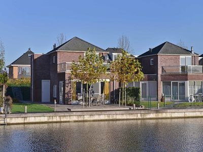 Photo for Popular house for tenants, orderly, neat and complete. The house has a view of the lake, an ideal lo