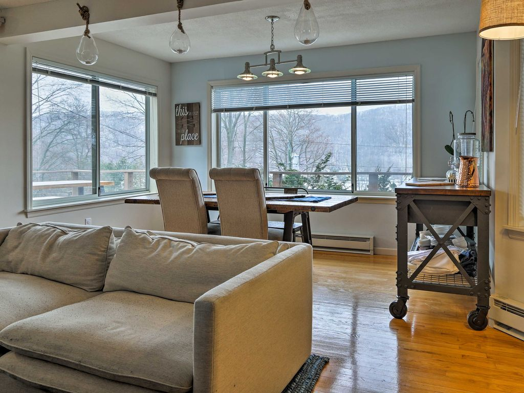 NEW! Unique 3BR New Fairfield House w/ Lake Views!