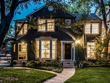 Plano, TX vacation rentals: Houses & more | HomeAway