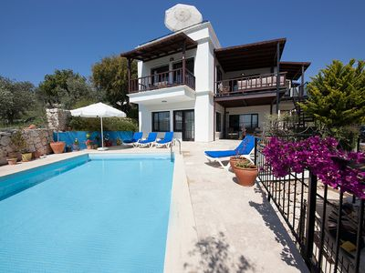 Photo for 3 Bed/3 Bath Detached Villa, Private Pool, Fantastic Views, 5 min walk to town