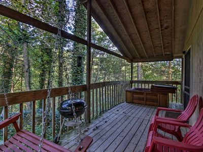 Photo for Cabin Mins to Smoky Mtns w/Jacuzzi, Hot Tub & Deck